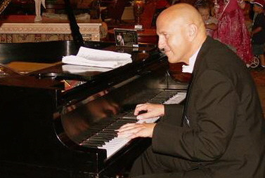 private events, piano player